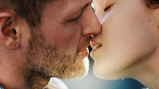 candidiasis contagio besos