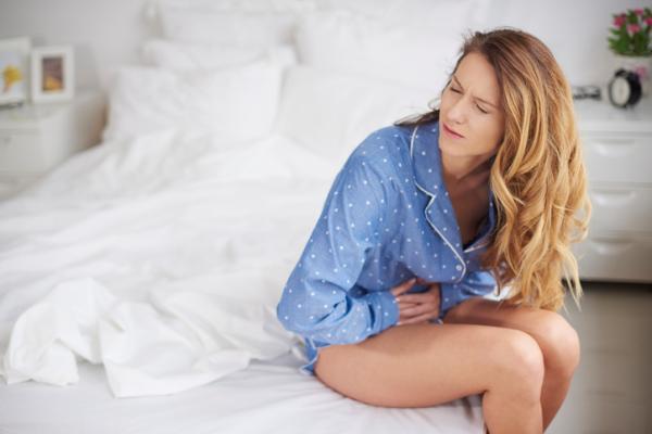 dolor abdomen candidiasis intestinal