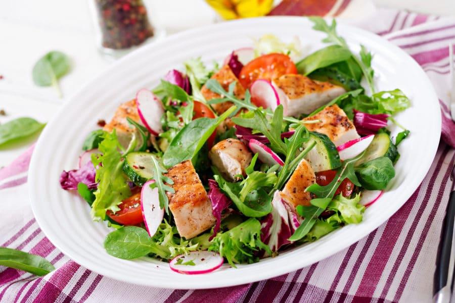 ensalada saludable dieta candidiasis